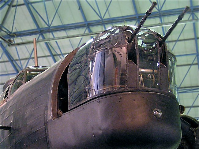 WW2 RAF Vickers-Armstrong Wellington Bomber front turret guns